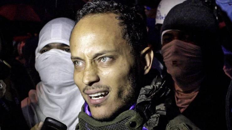 Oscar Pérez, Rebellenführer, kann den Kampf gegen die Misswirtschaft des venezolanischen Präsidenten Maduro nicht fortführen - Soldaten töteten ihn bei Feuergefechten in der Nähe von Caracas (in einer Aufnahme vom 13. Juli 2017 während einer Demonstration in der venezolanischen Hauptstadt).
