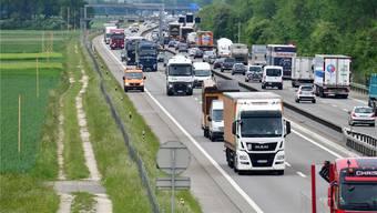 Die Autobahn bei Niederbuchsiten.