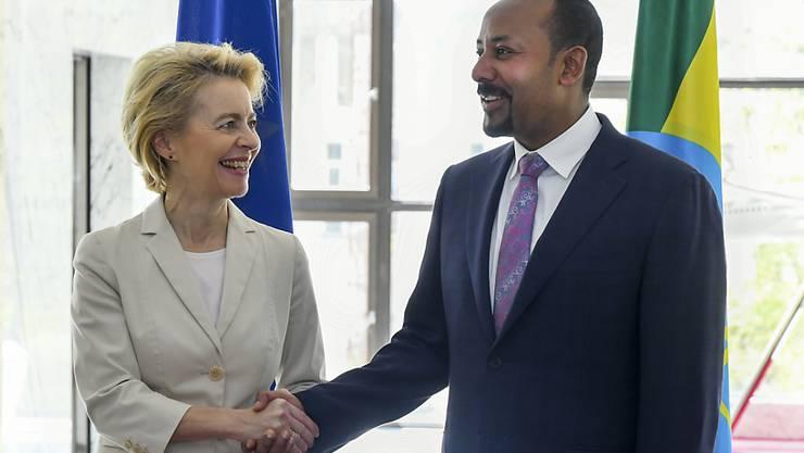 Die neue EU-Kommissionschefin Von der Leyen in Addis Abeba mit dem äthiopischen Regierungschef Abiy Ahmed.