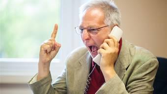 Wer seinem Ärger luft verschaffen will, muss sich zuerst oft von Wartemusik beschallen lassen. Symbolbild/Thinkstock