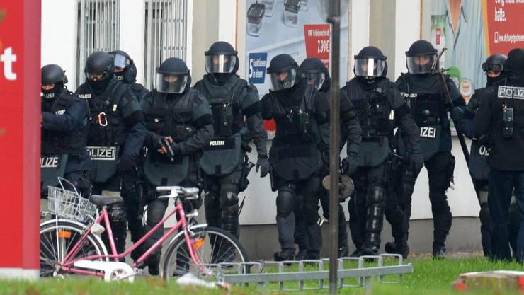 Die Spezialeinheit der Polizei, die den Imbiss-Stand stürmte