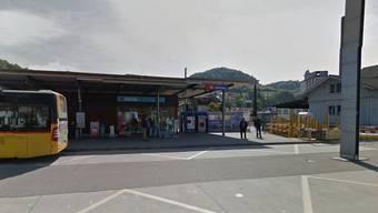 Beim Bahnhof Döttingen stehen drei Grundstücke zum Verkauf.