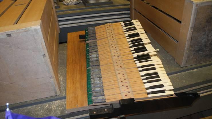 Tasten der alten Orgel.