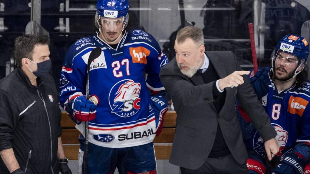 ZSC-Coach Rikard Grönborg versucht Stürmer Roman Wick den Weg zum Erfolg zu zeigen