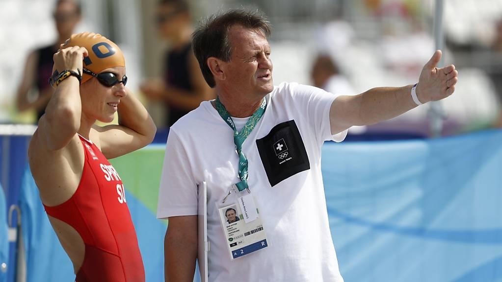 Brett Sutton (rechts) vor dem Silbermedaillen-Gewinn von Nicola Spirig bei Olympia 2016 in Rio de Janeiro
