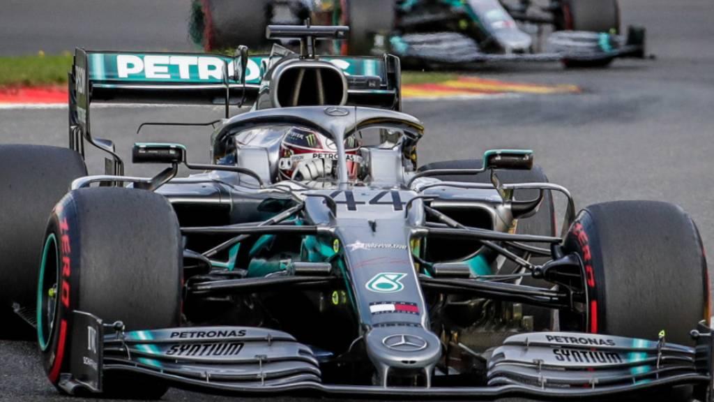 Schwarz statt Silberpfeil: Mercedes ändert Lackierung