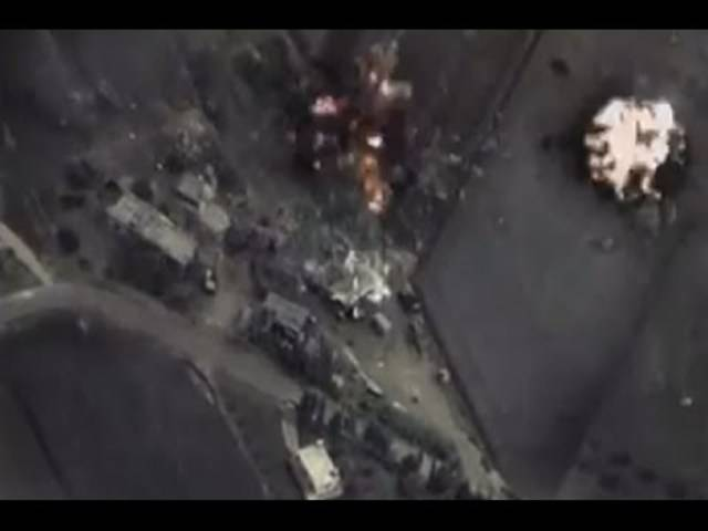 Video aus dem Kampfflugzeug: Russische Kampfjets fliegen Angriffe in Syrien.