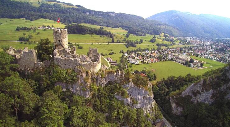 Die Ruine Neu-Falkenstein ist eine der ehemaligen Burgen auf dem Gemeindegebiet von Balsthal.