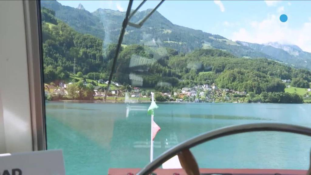 Walensee: Unterwegs mit der ersten Zweideck-Kapitänin