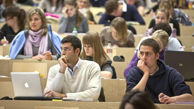 «Universitäten und Fachhochschulen müssen ihrer Rolle treu bleiben» sagt OT-Chefredaktor Beat Nützi.