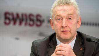Swiss-Chef Thomas Klühr kann vorerst aufatmen. Der Bund eilt der Airline zu Hilfe.