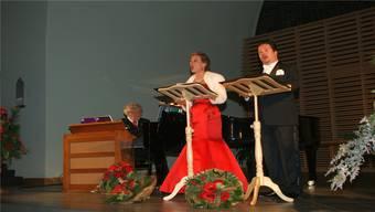 Andres Joho begleitet Barbara Buhofer und Raimund Wiederkehr auf dem Flügel und der Celesta (vorne links).