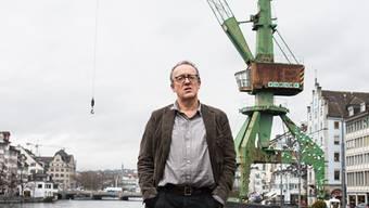 Jan Morgenthaler und der Hafenkran: Das Projekt soll in Schlieren nachklingen.Jiri Reiner