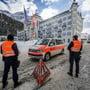 Die Bündner Polizei vor dem Luxushotel Kempinski in St. Moritz