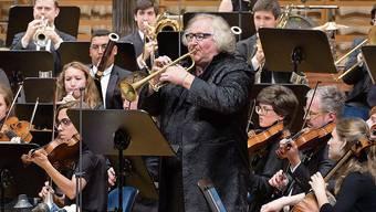 Das Orchester der Lucerne Festival Academy mit dem Solisten Reinhold Friedrich (Trompete). Bild: Priska Ketterer/LF