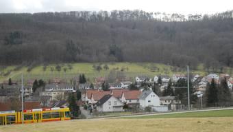 Schon Ende Mai stimmen die beiden Nachbargemeinden Witterswil (im Bild) und Bättwil darüber ab, ob die Fusionsplanung angepackt werden soll. Obs einmal eine Zusammenarbeit mit dem Baselbiet kommt, steht noch in den Sternen.