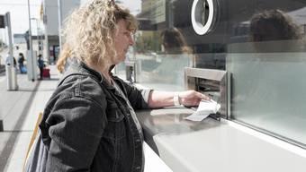 Die Münchensteinerin Angela kauft regelmässig in Weil ein: «Es rentiert halt extrem.»