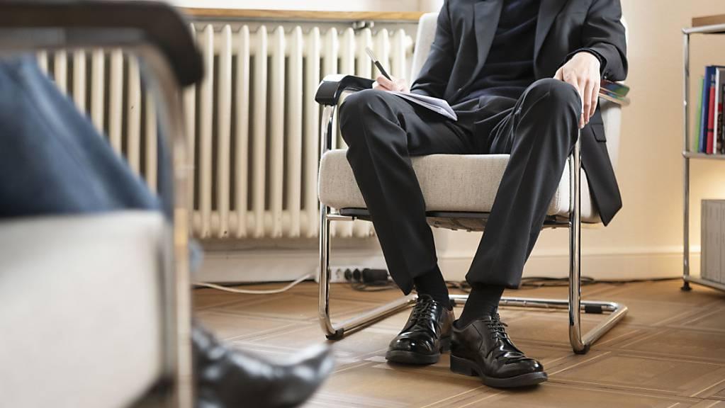 Der Bundesrat will Versorgungsengpässen bei der Psychotherapie entgegenwirken. (Symbolbild)