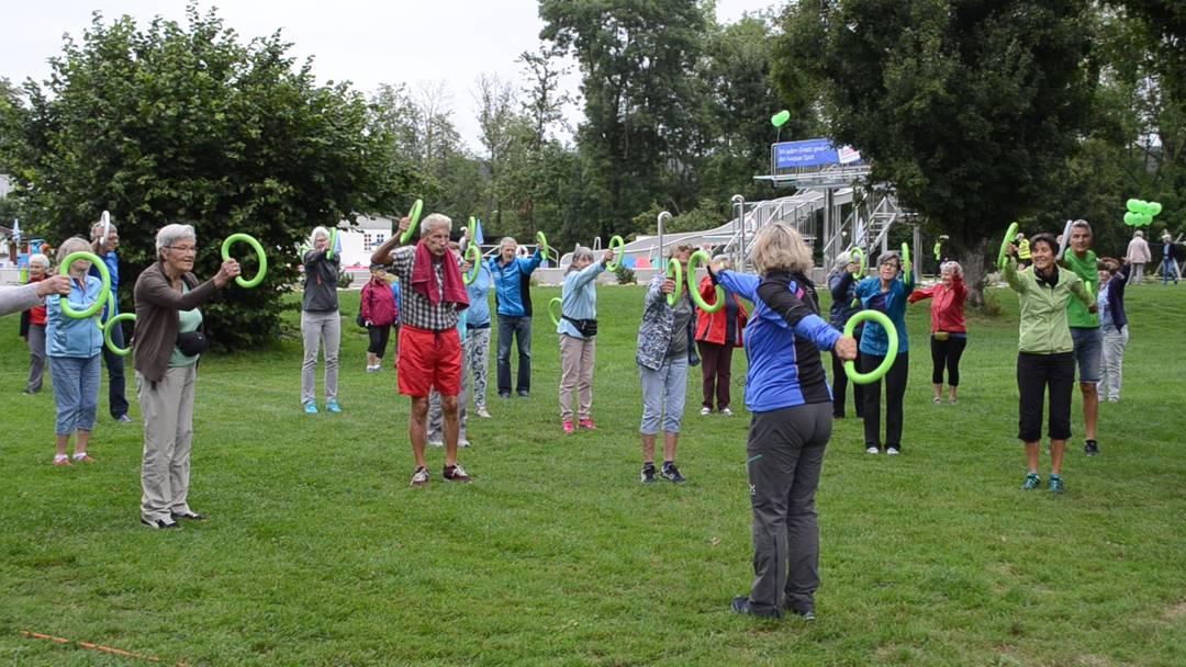 Schlagzeug und Glückshormone: Sportfest der Pro Senectute Aargau in Schinznach-Bad