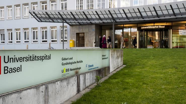 Das Universitätsspital Basel und der Pharmakonzern Roche arbeiten zusammen bei der Behandlung von Patienten mit Lungenkrebs.