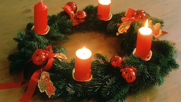 Die Bewohner hatten vergessen, die Kerzen am Adventskranz zu löschen.