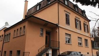 Noch ist es ruhig rund um das leer stehende Hotel Verenahof inKoblenz. «Wie lange noch?», fragen sich die Bevölkerung und die Grossräte des Bezirks Zurzach. Angelo Zambelli