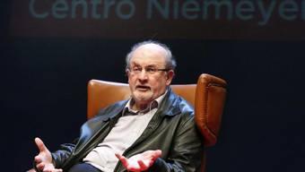 Weil Salman Rushdie den islamistischen Fundamentalismus kritisiert, verzichtet der Iran in letzter Minute auf die geschäftsfördernde Teilnahme an der Frankfurter Buchmesse (Archiv).