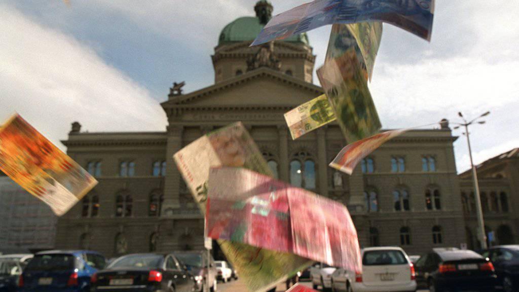 Das Geld fällt auch im Bundeshaus nicht einfach so vom Himmel: Sparen ist angesagt, aber wo und wie viel? (Symbolbild)