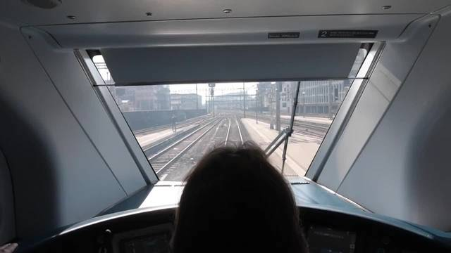 Neuer Dopperstöcker-Zug auf Jungfernfahrt