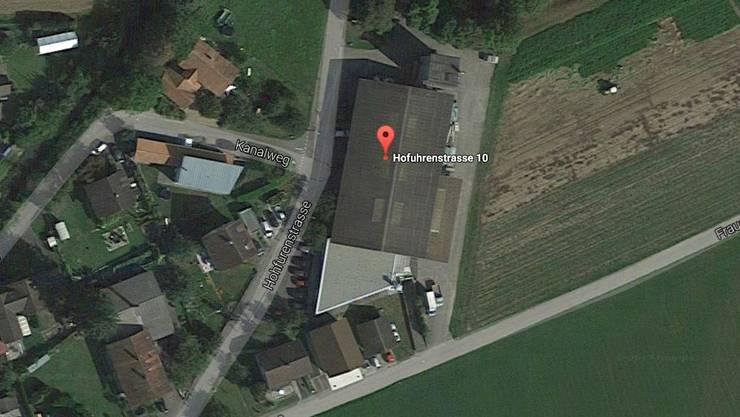 Die Zivilschutzanlage befindet sich an der Hofuhrenstrasse 10 unterhalb der Schreinerei Frei