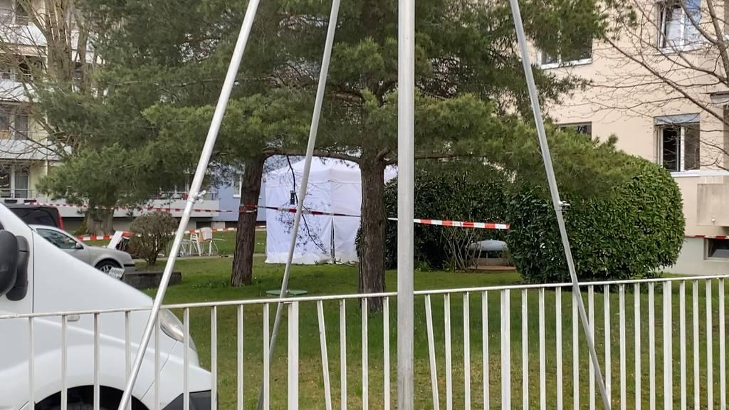Tödlicher Arbeitsunfall in Schwamendingen: Arbeiter stürzt von Balkon