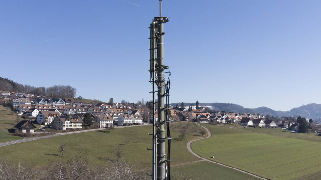 Wieder brennts bei Berner Mobilfunkmast - Brandstiftung vermutet