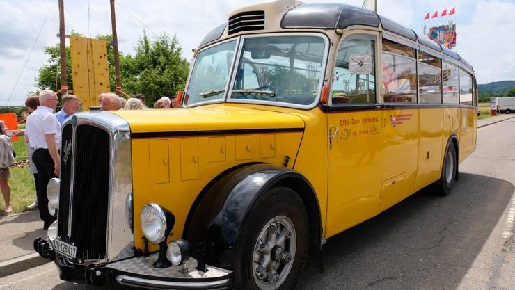 Die Rundfahrten im 66 Jahre alten Saurer-Postauto waren am Rebblüetefäscht besonders beliebt.