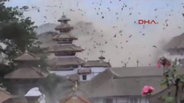 Das Erdbeben in Kathmandu wurde von verschiedenen Kameras eingefangen.