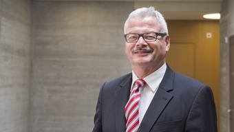 Hansjörg Frei übernahm nach Adrian Leimgrüblers Entlassung das Bezirksratspräsidium – keine leichte Aufgabe.