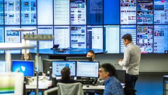 CH Media entsteht aus Unternehmensteilen von AZ Medien und NZZ. Bild: Der Newsroom der AZ Medien in Aarau.
