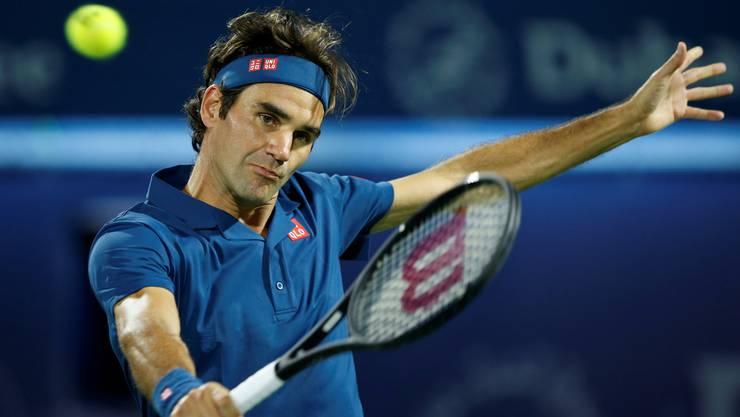 Heute schlägt der Maestro die Rückhand einhändig, wie hier in Dubai.