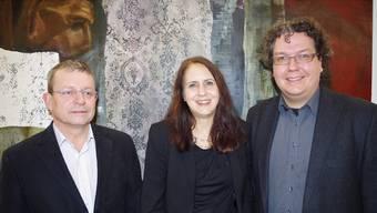 V.l. Anton Helscher, neuer Dirigent, sowie Claudia Jäggi-Schaller und Markus Jäggi, die zu Aktiv-Ehrenmitgliedern erkoren wurden.
