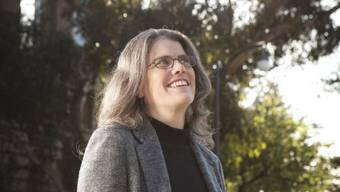 Ihr Blick ging schon als Kind zu den Sternen, sie wollte die erste Frau im Weltraum sein. Stattdessen wurde Andrea Ghez eine Nobelpreis-gekrönte Astrophysikerin. (UCLA)