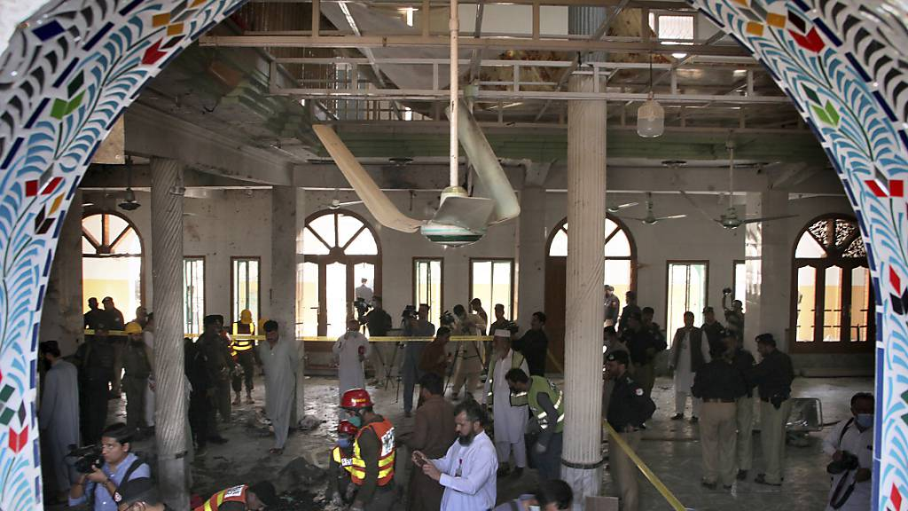 Bombe in Koranschule in Pakistan - Viele Opfer