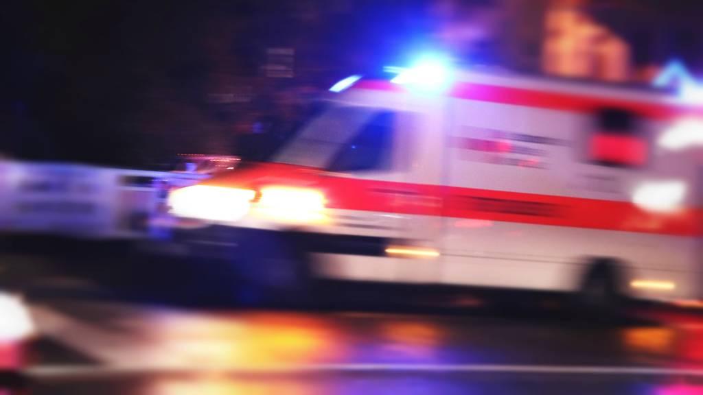 Mann stürzt von Dach und stirbt