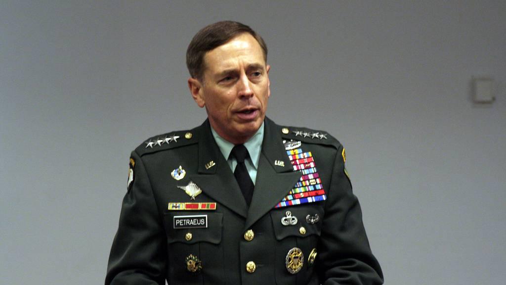 CIA-Chef tritt wegen Affäre zurück