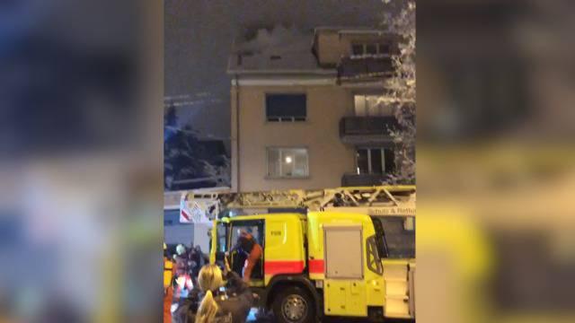 Hausbrand in Zürich: Bewohner harrten stundenlang in VBZ-Bus aus
