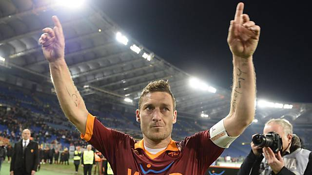 Francesco Totti in Jubelpose.