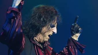 Alice Cooper spielt auf der Bühne den Bösewicht: «Ich bin bin privat wahrscheinlich das totale Gegenteil von Alice Cooper». Bild: getty
