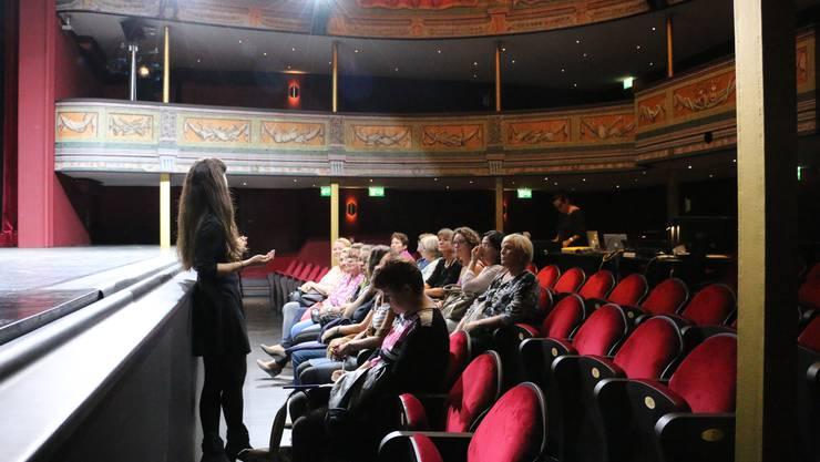 Teilnehmer am Mitarbeiteranlass im Saal des Stadttheaters in Solothurn