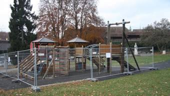 Der Spielplatz Chantier wurde letzte Woche geschlossen. Wie gehen die Gemeinden mit der Spielplatzsicherheit um?