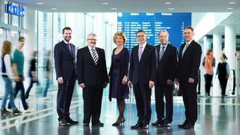 So geschlossen wie auf dem Regierungsfoto sind sie in der Atomfrage nicht. Von links nach rechts: Staatsschreiber Peter Grünenfelder und die Regierungsräte Roland Brogli (CVP), Susanne Hochuli (Grüne), Urs Hofmann (Landammann SP) Peter Beyeler (FDP) und Alex Hürzeler (SVP).