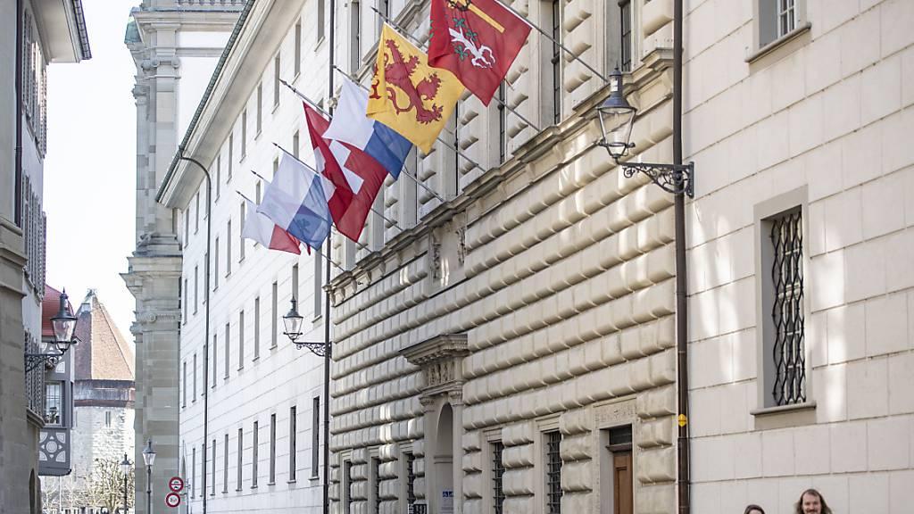 Das Luzerner Regierungsgebäude: Es verliert mit dem geplanten Verwaltungsgebäude am Seetalplatz an Bedeutung. (Archivaufnahme)