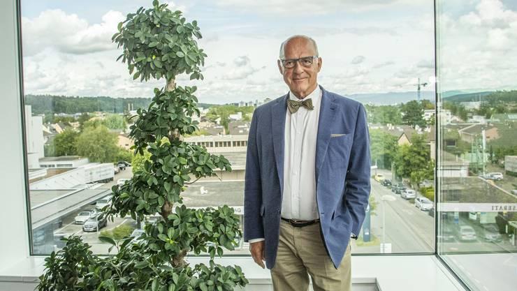 Klaus Endress blickt trotz Coronakrise der Zukunft frohgemut entgegen. Die Einführung von Kurzarbeit will er vermeiden: Die staatlichen Kassen sollten nicht noch mehr strapaziert werden.